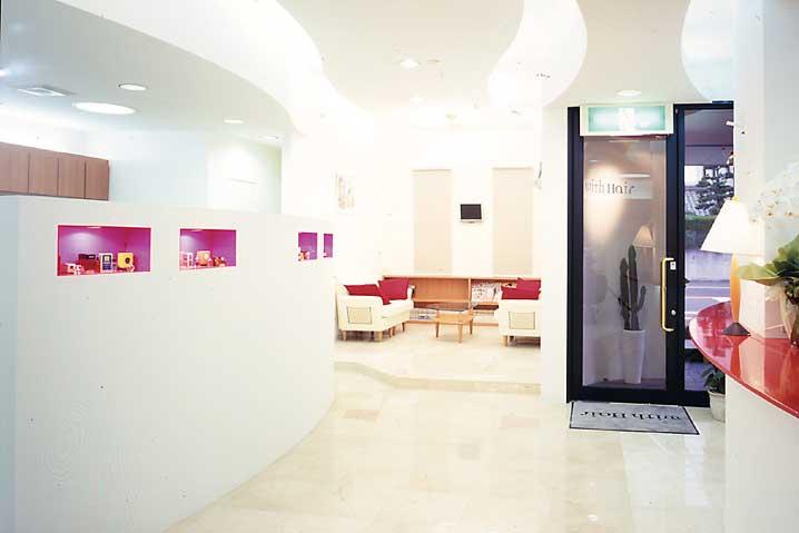 福井県敦賀市の美容室/理容室 with Hair(ウィズヘア)です。コンセプトは、「Relaxation & Beauty」。カット、パーマ、トリートメント、また「Sammy Nov」の施術を行っております。